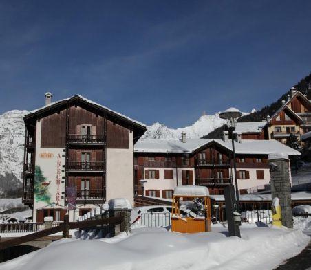 Hotel Alpechiara, 4 stelle a Pallusieux Pre Saint Didier ...