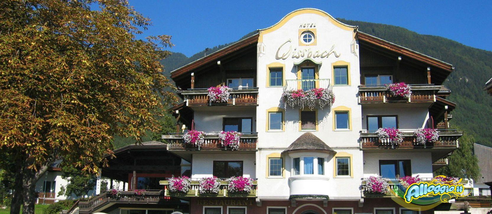 Hotel gissbach 3 stelle a s giorgio di brunico alto adige for Hotel siracusa 3 stelle
