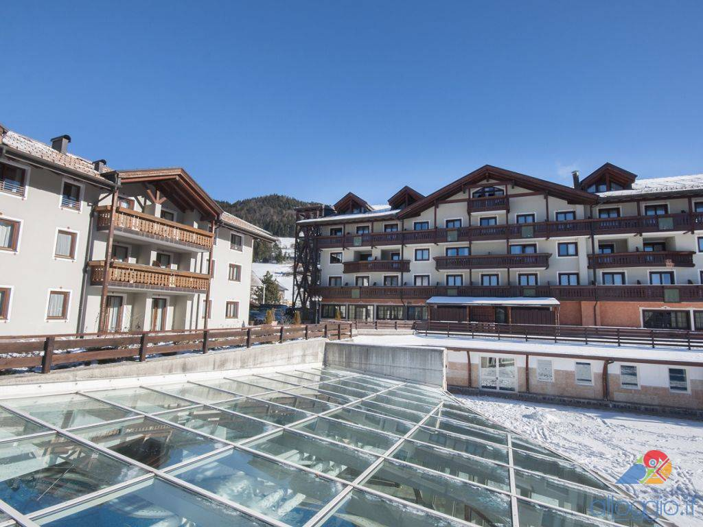 Golf hotel struttura 4 stelle a loc costa folgaria trentino - Folgaria hotel con piscina ...