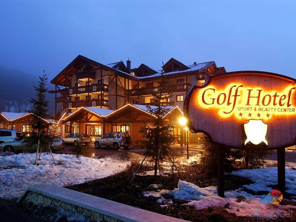 Golf hotel struttura 4 stelle a loc costa folgaria - Hotel folgaria con piscina ...