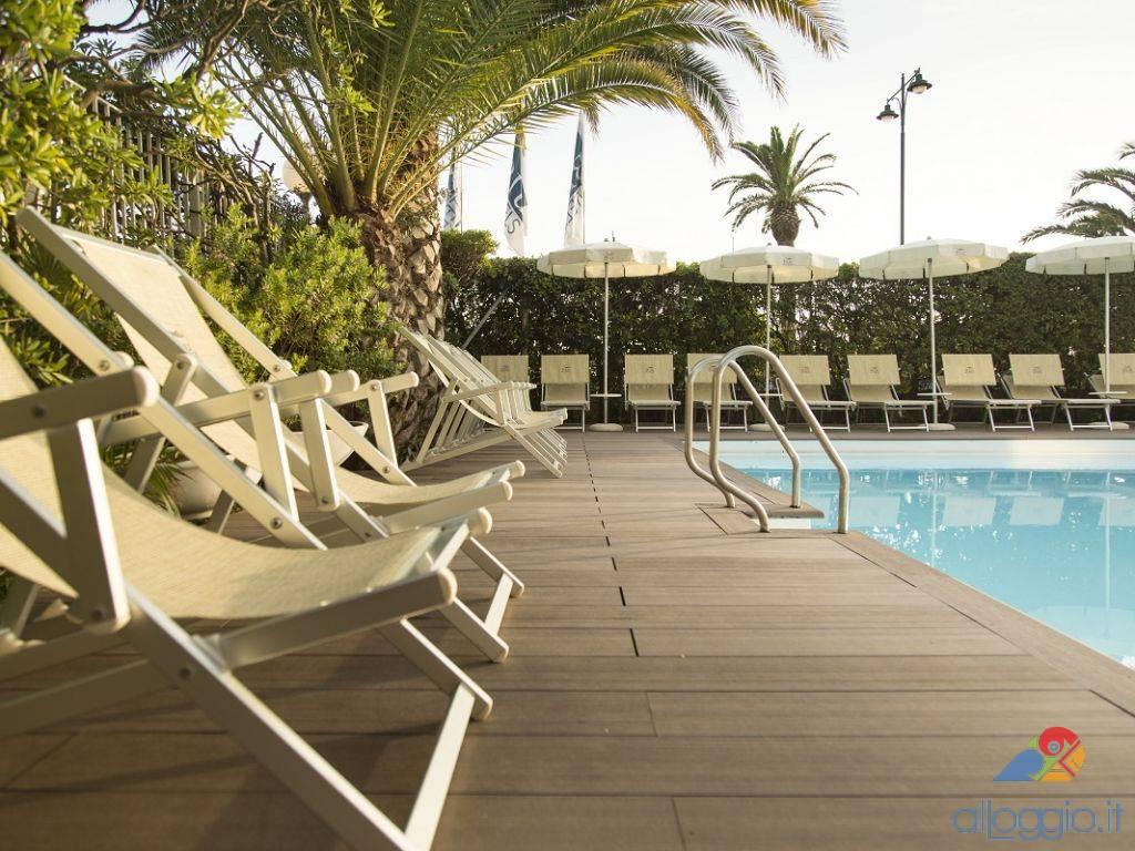 Grand hotel 4 stelle a forte dei marmi toscana bambini gratis - Bagno vasco forte dei marmi ...