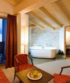 Hotel Chalet Tianes, struttura 4 stelle a Castelrotto (Alto ...