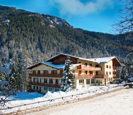 Hotel Villa Emma, struttura 3 stelle a Alba Di Canazei (Trentino)